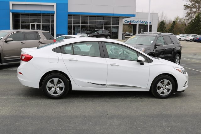 Pre-Owned 2018 Chevrolet Cruze LS