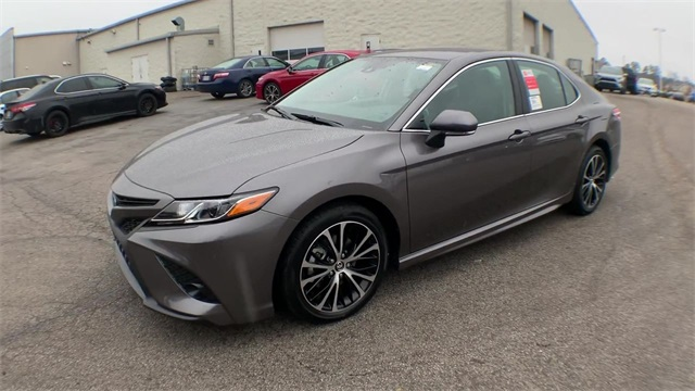 New 2020 Toyota Camry SE