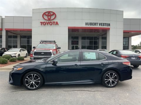 Certified Pre-Owned 2019 Toyota Camry Hybrid STD FWD 4D Sedan